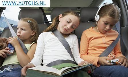 Gratis auto spelletjes: leuke spelletjes op papier voor in de auto